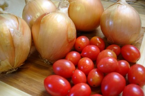 Yummy cherry tomatoes & Candy Hybrid onions