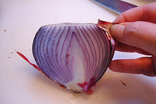 How to Peel an Onion, How to Slice an Onion | SoupAddict.com