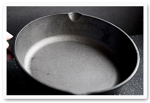 reviving a cast iron pan