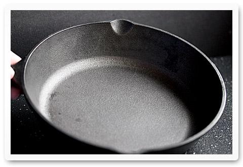 reviving a cast iron pan